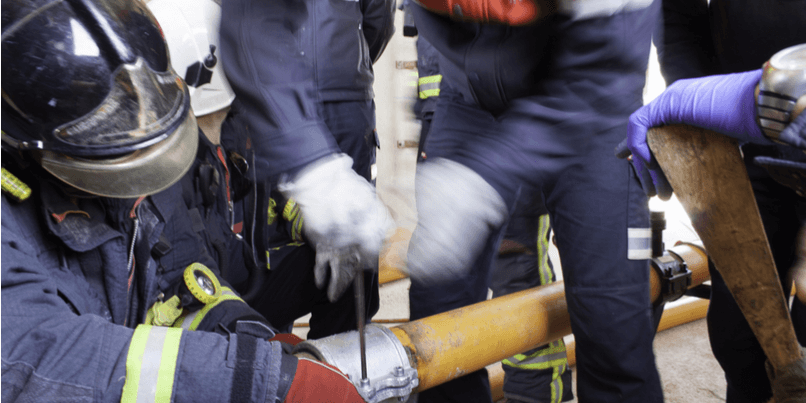 How can a multi-gas detection simulator enhance emergency response?